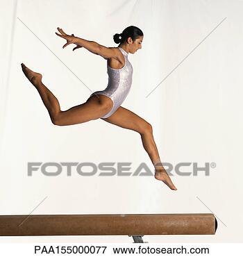 Image - images, saut,  physique, vitalité,  énergie, disciplines,  formations. fotosearch  - recherchez des  photos, des images  et des cliparts