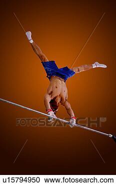 Banque de Photographies - jeune, pratiquer,  gymnastique, barre.  fotosearch - recherchez  des photos, des  images et des  cliparts