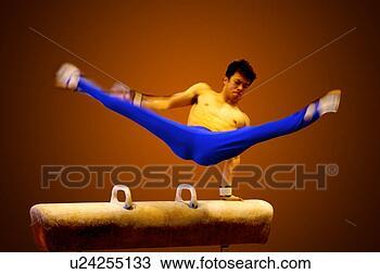 Banque de Photo - jeune, pratiquer,  gymnastique, pommeau,  cheval. fotosearch  - recherchez des  photos, des images  et des cliparts